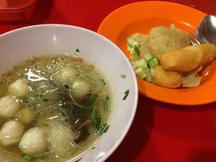 Foto 1 - Makanan(Tekwan, Kapal Selam & Lenjer) di Pempek Palembang Gaby oleh Irine