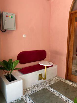 Foto 11 - Interior di Deja Coffee & Pastry oleh Jeljel