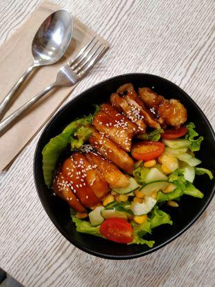 Foto 1 - Makanan di Spinfish Poke House oleh @Itsjusterr