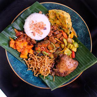 Foto 3 - Makanan di Nasi Uduk Meranti oleh om doyanjajan