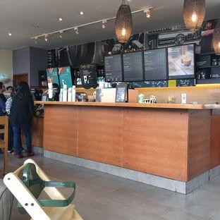 Foto 2 - Interior di Starbucks Coffee oleh Prajna Mudita