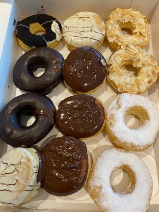Foto 1 - Makanan di J.CO Donuts & Coffee oleh Duolaparr