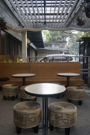 Foto 6 - Interior di Doma Dona Coffee oleh yudistira ishak abrar