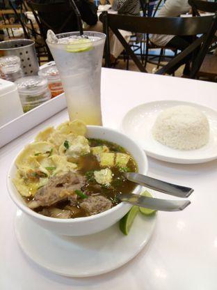 Foto 2 - Makanan(Sop iga lidah dan lime juice) di Chop Buntut Cak Yo oleh Ratih Danumarddin