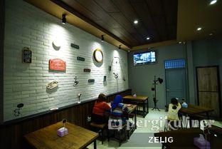 Foto 4 - Interior di Kedai MiKoRo oleh @teddyzelig