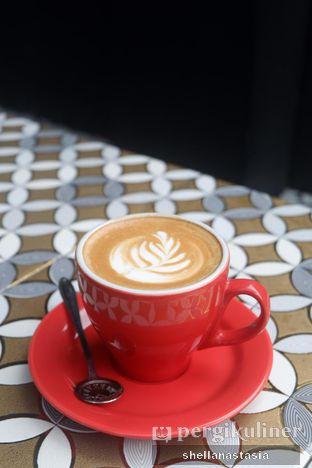 Foto 8 - Makanan(Hot Latte) di Dandia Coffee oleh Shella Anastasia