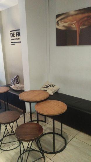 Foto 1 - Interior di De Facto Coffee & Eatery oleh Review Dika & Opik (@go2dika)