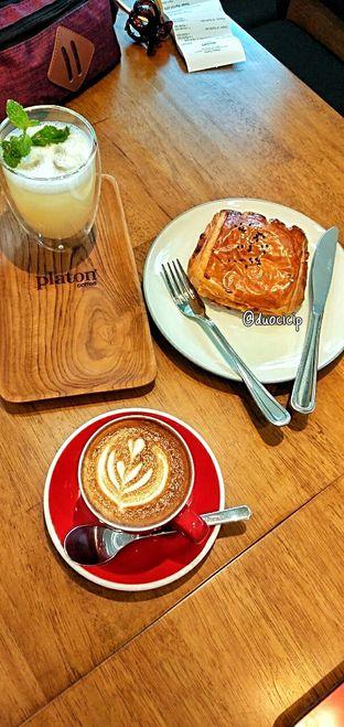 Foto 23 - Makanan di Platon Coffee oleh duocicip
