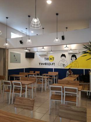 Foto 8 - Interior di OTW Food Street oleh Lili Alexandra