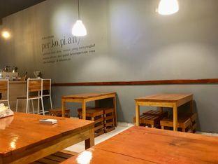 Foto 11 - Interior di Ruang Eatery & Coffee oleh Prido ZH