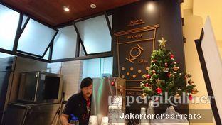 Foto 4 - Interior di KOI The oleh Jakartarandomeats