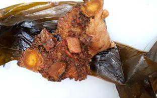 Foto 2 - Makanan di Ambokue Bacang Nasi Tim Kebonjati oleh Eat Drink Enjoy