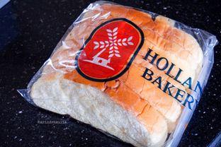 Foto - Makanan di Holland Bakery oleh Indra Mulia