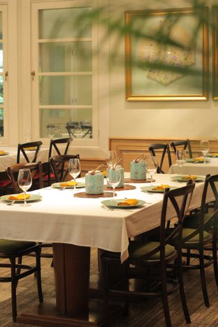 Foto 10 - Interior di Meradelima Restaurant oleh thehandsofcuisine