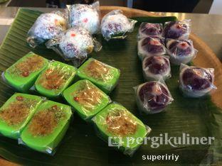 Foto 4 - Makanan(jajan pasar) di Botanika oleh @supeririy