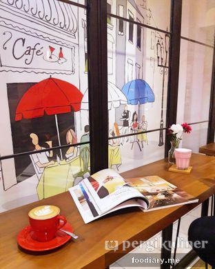 Foto 1 - Interior di Neighborhood Coffee oleh @foodiaryme | Khey & Farhan