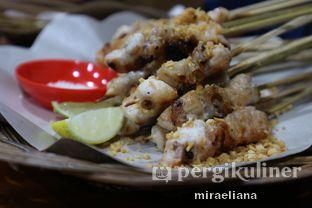 Foto 1 - Makanan(Sate Taichan Daging Kulit) di Sate Taichan Nyot2 oleh Mira Eliana
