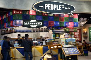 Foto 24 - Interior di The People's Cafe oleh Deasy Lim