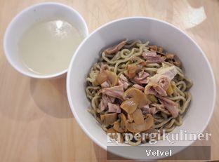 Foto 1 - Makanan(Bakmi Karet) di Bakmi A6 oleh Velvel