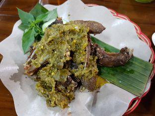 Foto 1 - Makanan di Bebek Goreng Harissa oleh Amrinayu