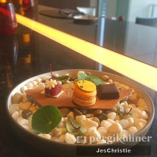 Foto 3 - Makanan di View - Fairmont Jakarta oleh JC Wen