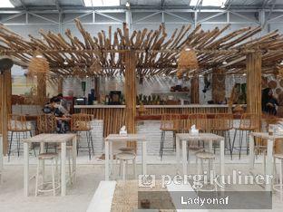 Foto 11 - Interior di Hey Beach! oleh Ladyonaf @placetogoandeat