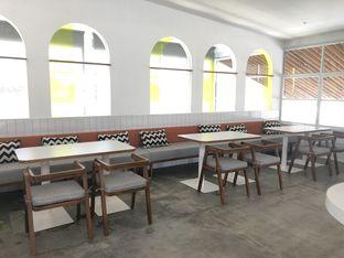 Foto 24 - Interior di Twin House oleh YSfoodspottings