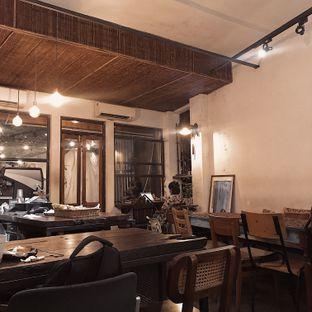 Foto 2 - Interior di But First Coffee oleh Della Ayu