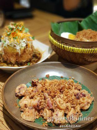 Foto 4 - Makanan(Cumi Bumbu Bawang Garing Pedas Banyuwangi) di Remboelan oleh JC Wen
