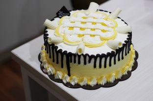 Foto 1 - Makanan di Holland Bakery oleh Prajna Mudita