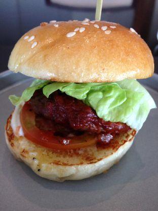 Foto 9 - Makanan di PASOLA - The Ritz Carlton Pacific Place oleh awakmutukangmakan
