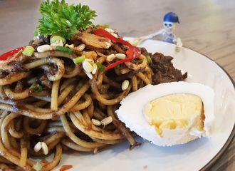 9 Tempat Makan Baru di Surabaya, Yuk Cobain!