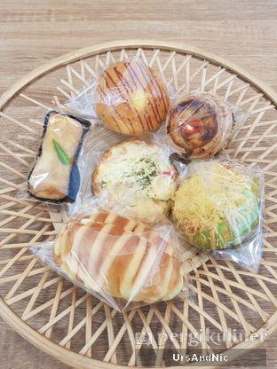 Foto 1 - Makanan di Rokue Snack oleh UrsAndNic