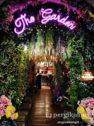 Foto 7 - Interior di The Garden oleh Angie  Katarina