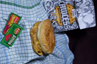 Foto 1 - Makanan di Lawless Burgerbar oleh yudistira ishak abrar