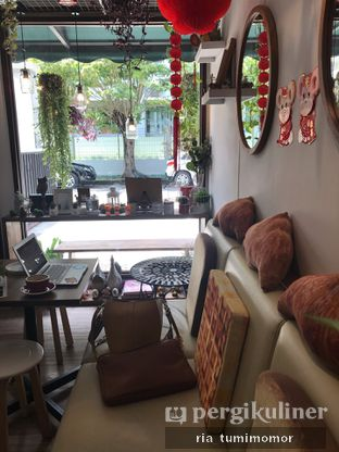 Foto 4 - Interior di Olive Tree House of Croissants oleh riamrt