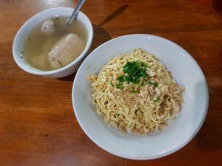 Foto - Makanan(Yamien asin campur) di Mie E'ncek oleh Fika Sutanto