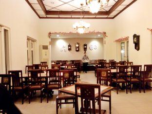 Foto 1 - Interior di Bon Ami Restaurant & Bakery oleh Ratu Aghnia