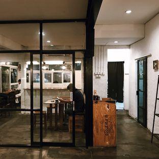 Foto 4 - Interior di Pikul Coffee & Roastery oleh Della Ayu
