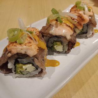 Foto 3 - Makanan(Gyuniku Blossom Roll) di Tokyo Belly oleh Fensi Safan
