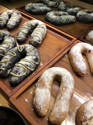 Foto 2 - Makanan di Francis Artisan Bakery oleh Mitha Komala