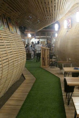 Foto 6 - Interior di Equator Coffee & Gallery oleh Kuliner Addict Bandung