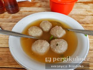 Foto 1 - Makanan(Bakso Halus Besar) di Bakso Enggal Malang oleh Veranyca Handoko