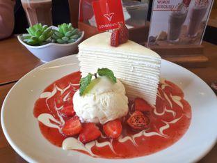 Foto 2 - Makanan(Mille Crepes Strawberry) di De Mandailing Cafe N Eatery oleh Anggriani Nugraha