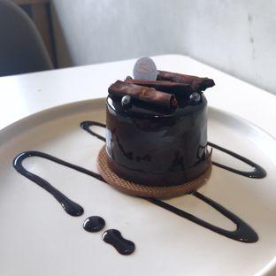 Foto 2 - Makanan(Earl Grey Mousse) di Vallee Neuf Patisserie oleh @stelmaris