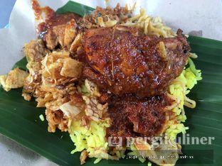 Foto 1 - Makanan di Nasi Kuning Pojok Pasar Pucang oleh @mamiclairedoyanmakan