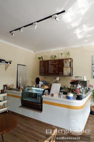Foto 6 - Interior di Dimata Coffee and Eatery oleh Illya Adista