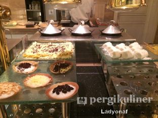 Foto 14 - Interior di The Cafe - Hotel Mulia oleh Ladyonaf @placetogoandeat