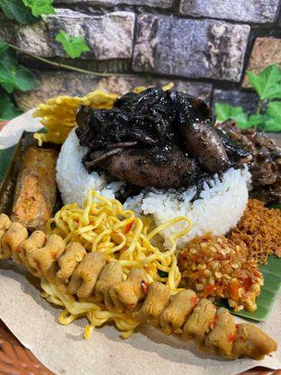 Foto review Nasi Cumi Hitam Madura Pak Kris oleh Yohanacandra (@kulinerkapandiet) 9