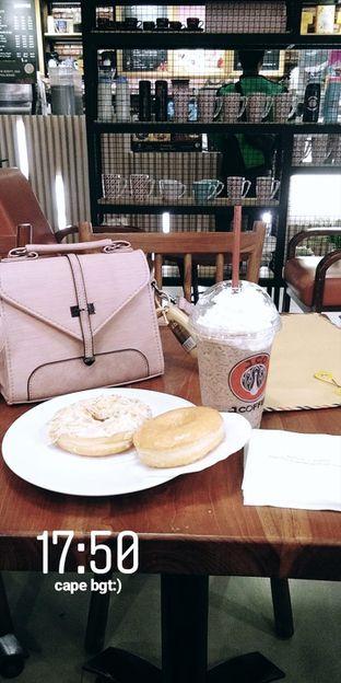 Foto - Makanan(pas lagi puasa dapet free 1 lagi) di J.CO Donuts & Coffee oleh Ananda safira